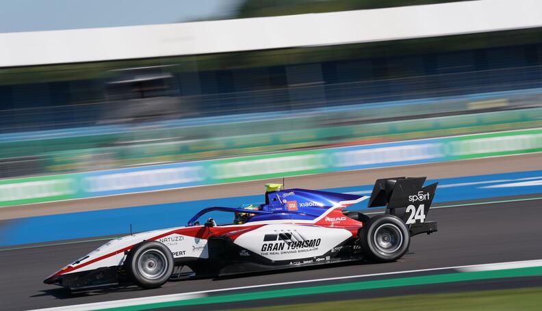 FIA Formula 3 Championship Igor Fraga (BRA) Cha...