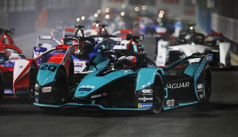 Mitch Evans (NZL) Panasonic Jaguar Racing, Jagu...
