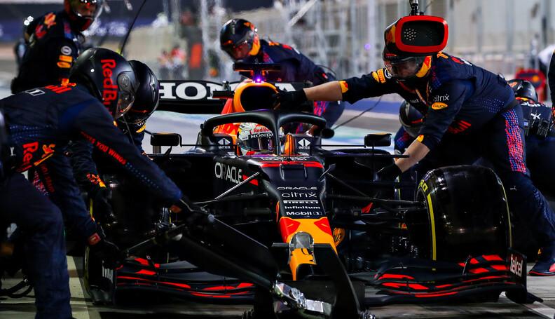 BAHRAIN, BAHRAIN - MARCH 28: Max Verstappen of ...
