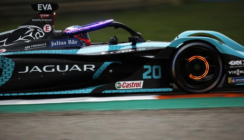 Mitch Evans (NZL), Jaguar Racing, Jaguar I-TYPE...