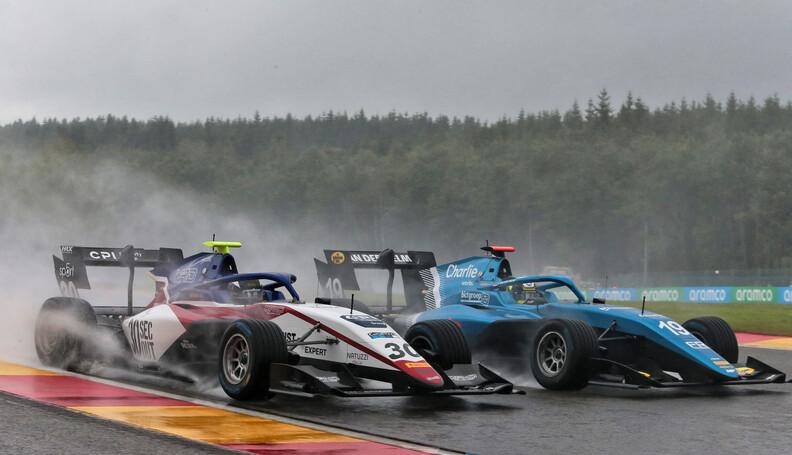 FIA Formula 3 Championship Hunter Yeany (USA) C...