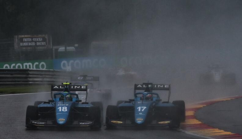 FIA Formula 3 Championship (L to R): Caio Colle...